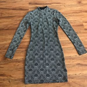 🛍 H&M Sparkly Open-back Long Sleeve Dress